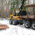 optimaalse suurusega kokkuveotraktor FR28 laadimas